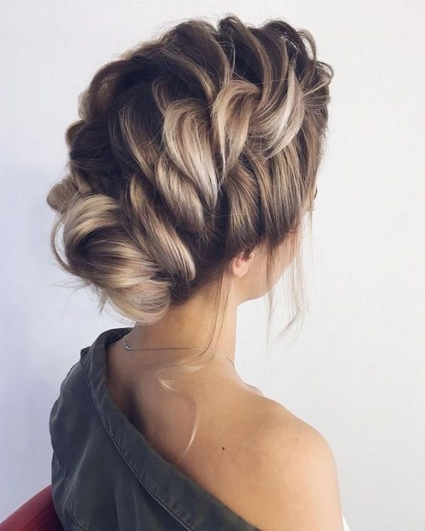 54 Top Christmas Party Hairstyles